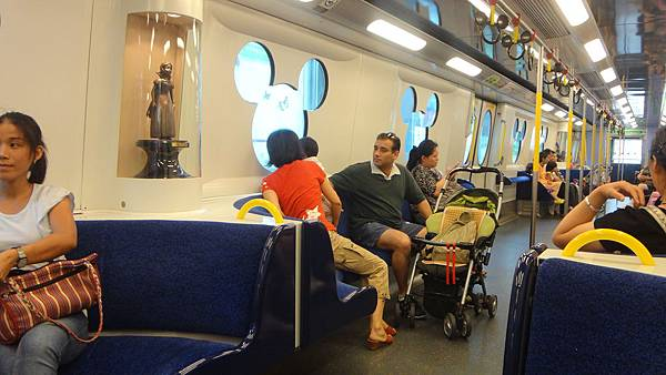 迪士尼地鐵