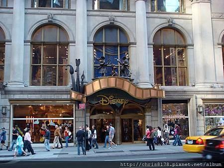 IMG_DisneyStore_NYC.jpg