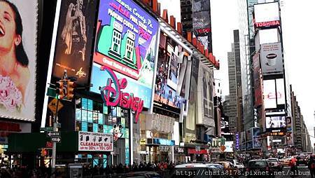 IMG_DisneyStore_TimeSquare.jpg