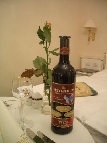 飯店送的紅酒