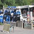 賣紀念品的地方,廁所一次1€