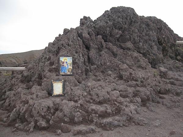 山上的聖母像