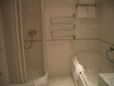 浴室--按摩浴缸