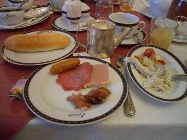 早餐~法國麵包又出現了