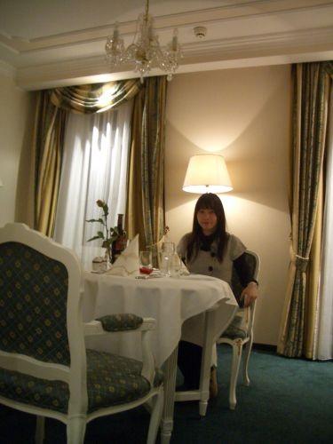 準備吃雙人浪漫晚餐