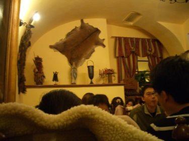 餐廳內部(超擠)