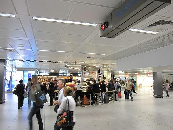 羅馬機場到了