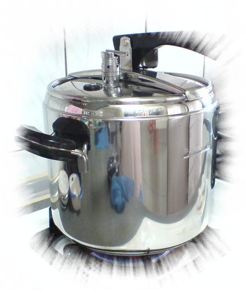 20090506今天煮紅豆湯喔! (2).JPG