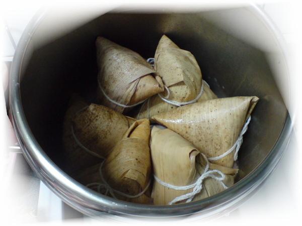 20090528包菜粽 (6).JPG