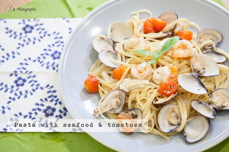 pasta with seafood & tomatoes2