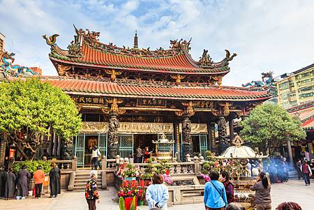 龍山寺commons.wikimedia.org.jpg
