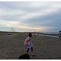 2013_0608觀音濱海遊憩區玩沙 (7)