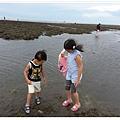 2013_0608觀音濱海遊憩區玩沙 (8)