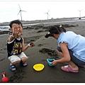 2013_0608觀音濱海遊憩區玩沙 (18)