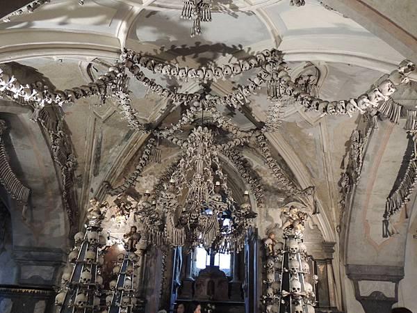 人骨教堂--捷克