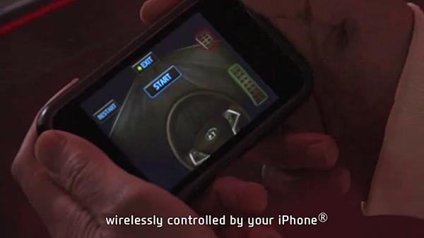 iPhone現在不當手機 當方向盤來著.png