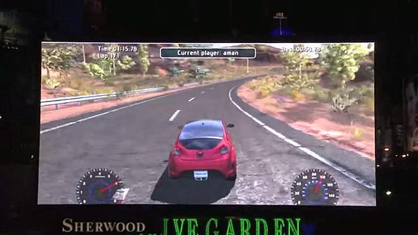 如果你以為這只是一般的賽車遊戲畫面 那你就錯了.png
