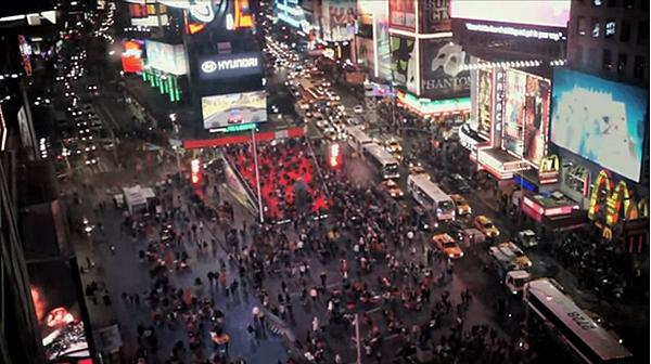 紐約時代廣場還真熱鬧.png
