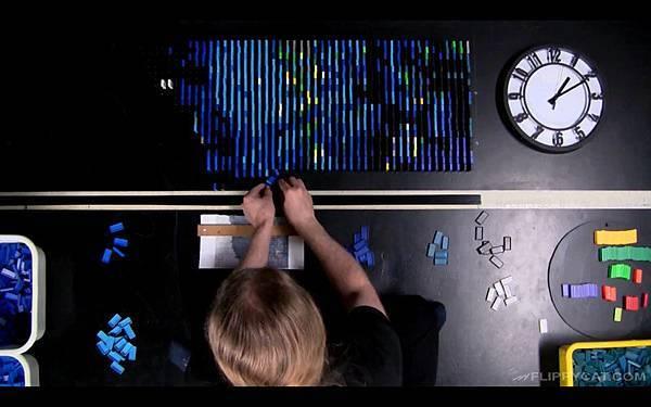 7000個骨牌排出梵谷名畫星夜(Starry Night)_002