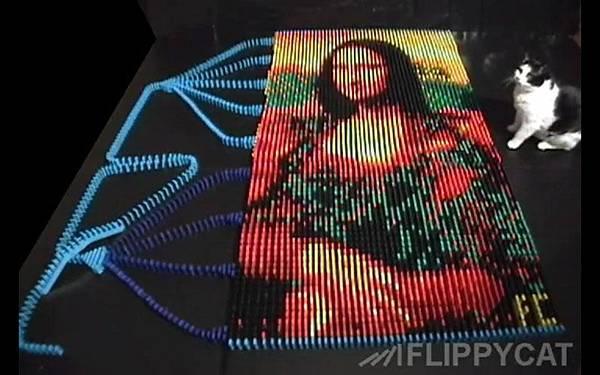 5000個骨牌排出達文西名畫蒙娜麗莎的微笑(Mona Lisa)_002