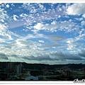 很藍的天~很舒服的雲