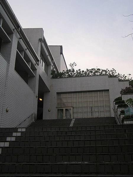 陽明啥沒有...樓梯最多