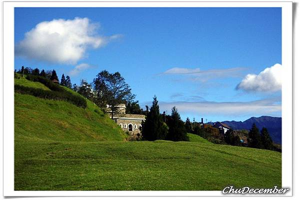 山坡上的城堡...民宿?
