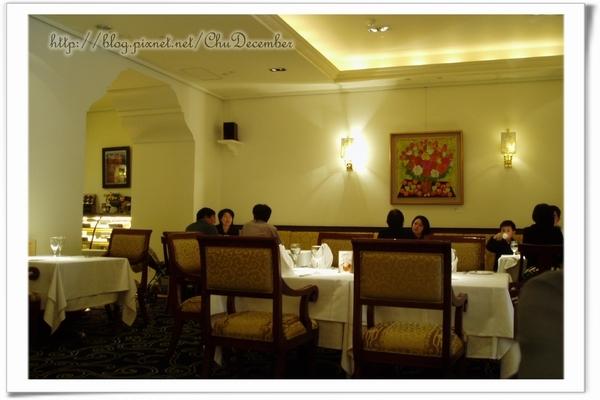 餐廳內部寬敞舒服