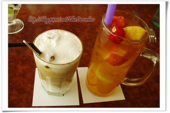附餐飲料...拿鐵與水果茶