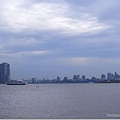 因為雨後,紐約難得有雲的藍天很美~
