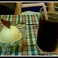 黑桔汁與柳橙冰淇淋