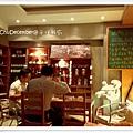 販售咖啡的木櫃