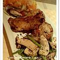 組合優惠餐--海鮮總匯+迷迭香烤雞排+香味杏鮑菇蔬食+五穀飯