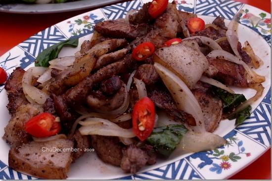 menice叨唸著要吃的鐵板山豬肉