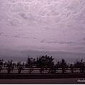 雲層很厚,風雨欲來
