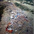 裝裝樣子的抗議結束後~只剩滿地垃圾