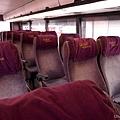內裝舊舊的巴士
