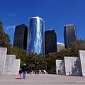 砲彈公園旁的紀念碑
