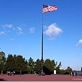 旁邊廣場的國旗