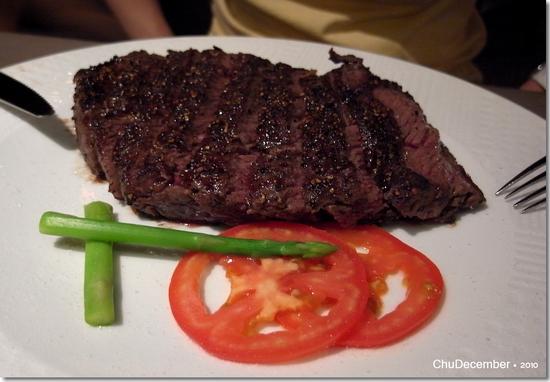 碳烤牛小排,皮酥內嫩^^