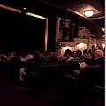 劇院不大,但是秀很讚