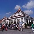 恐怖烈日下的泰國館