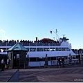 準備搭船繼續往愛麗斯島前進