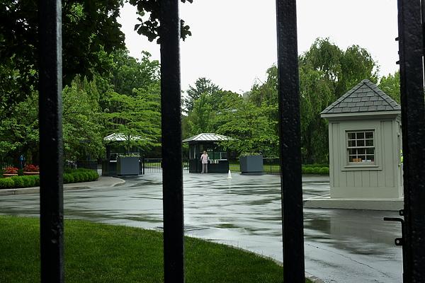 雨後的大門.jpg