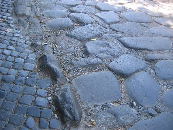 安庇亞古道10--大石板為古羅馬時代的道路