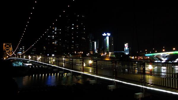 碧潭吊橋夜景.jpg