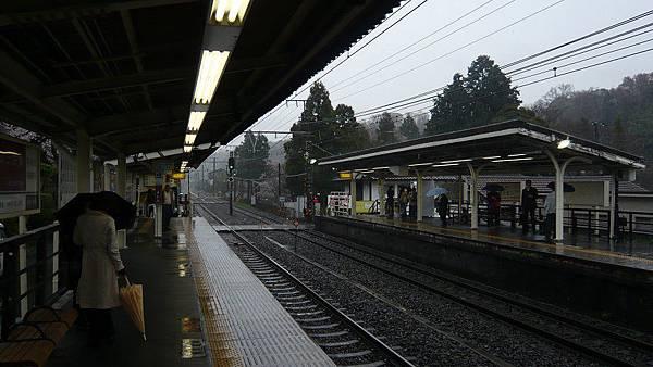 大雨中的北鎌倉車站