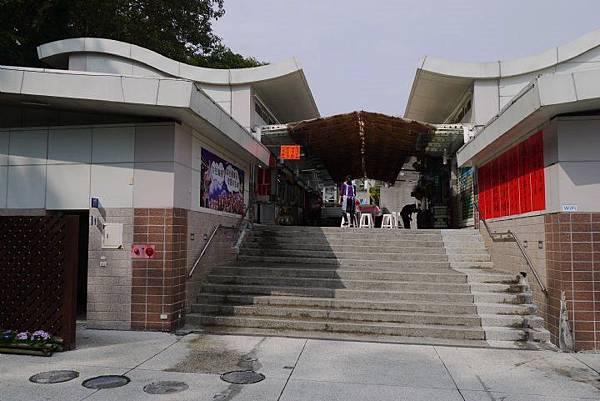 鳳凰谷鳥園商店街.jpg