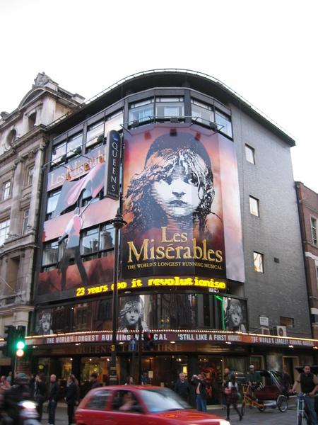 劇院-悲慘世界