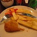 午餐: 熱量超高+超沒營養+號稱英國美食的Fish&Chips
